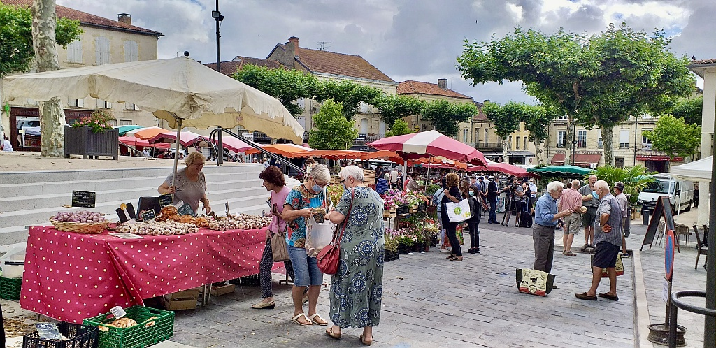 MARCHÉ TRADITIONNEL DU VENDREDI - VIC FEZENSAC